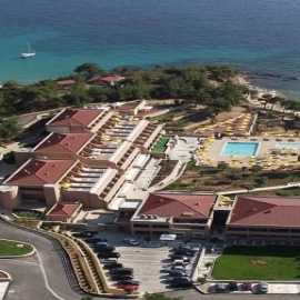 Hotelul Royal Paradise Beach Resort & Spa 5*